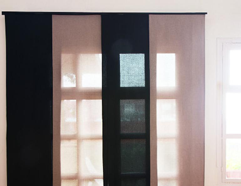paroi japonaise nice ouest et nice nord un panneau cloison et un store d coratif. Black Bedroom Furniture Sets. Home Design Ideas